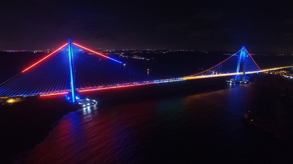 3. Köprü'de dikkat çeken ayrıntı 34