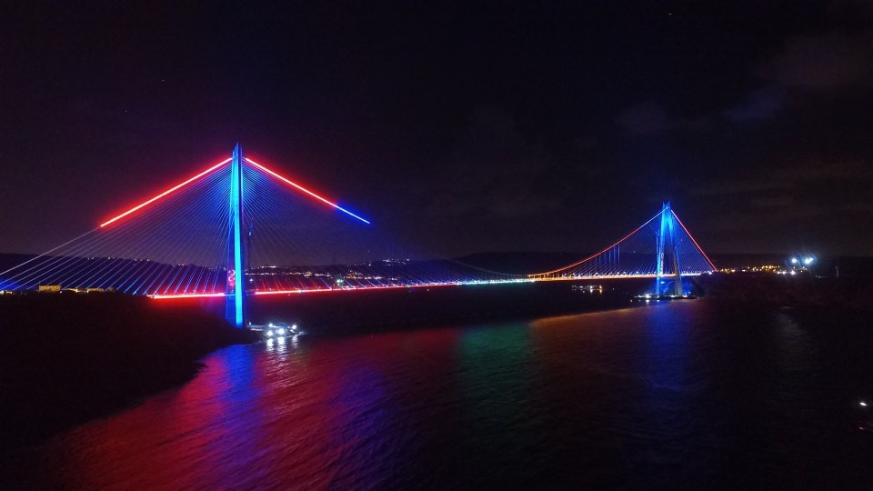 3. Köprü'de dikkat çeken ayrıntı 39