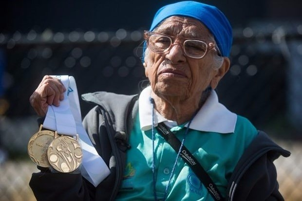 100 yaşında altın madalya kazandı 3