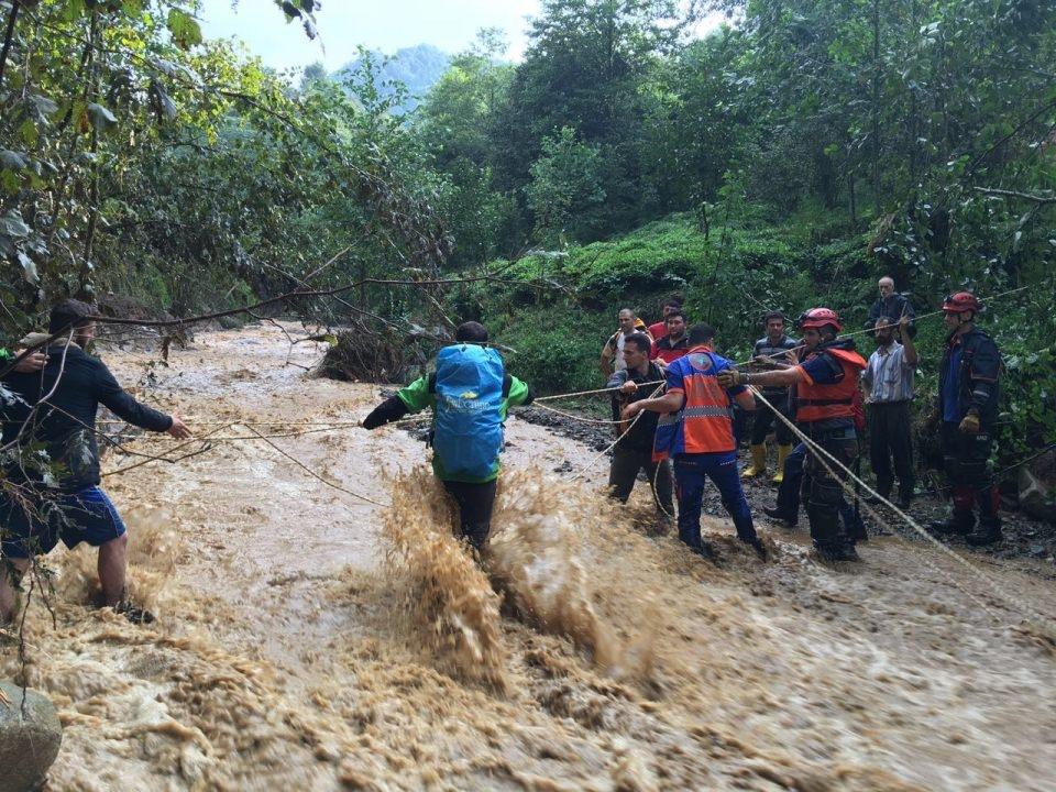 RİKE ve UMKE mahsur kalan 9 vatandaşı kurtardı 17