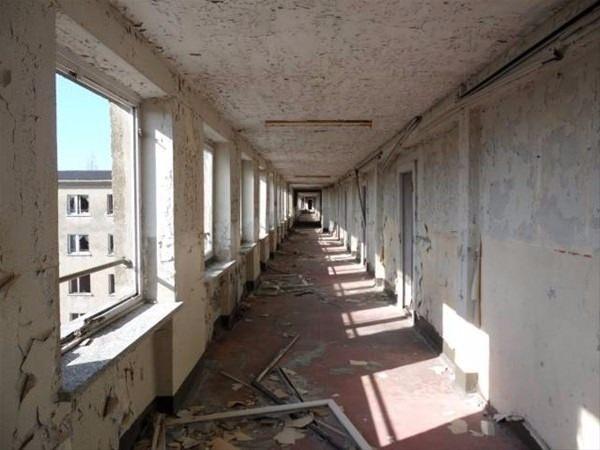 Tek bir ziyaretçisi bile olmayan 10 bin odalı otel 18