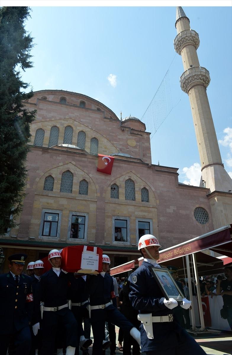 Türkiye şehitlerini uğurluyor 12