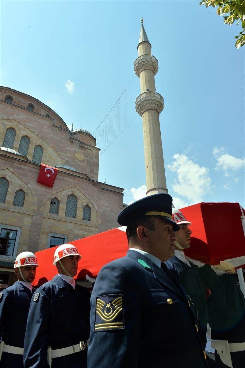 Türkiye şehitlerini uğurluyor 13