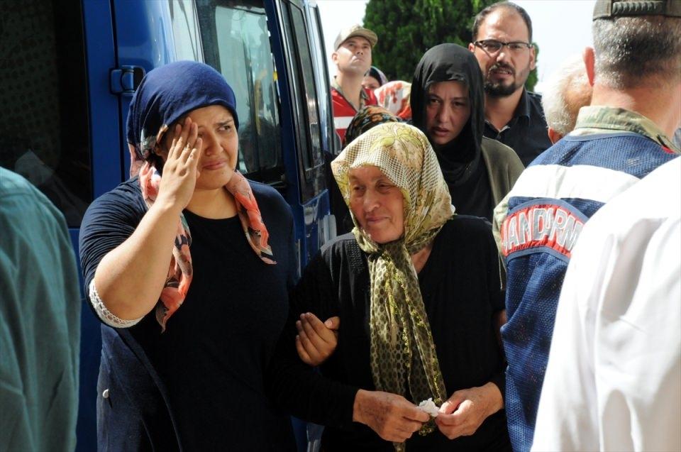 Türkiye şehitlerini uğurluyor 21
