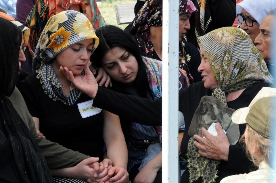 Türkiye şehitlerini uğurluyor 24