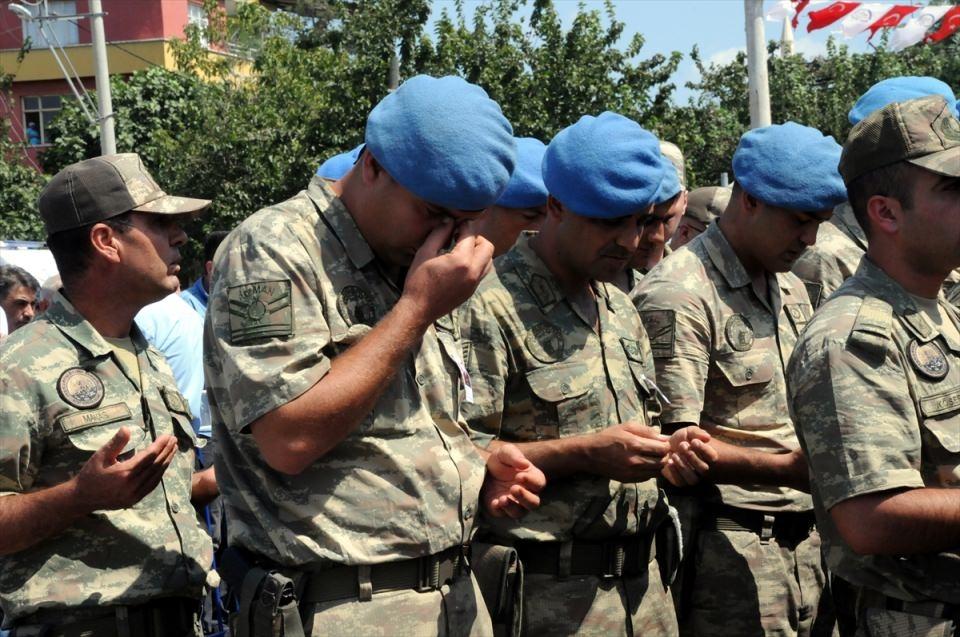 Türkiye şehitlerini uğurluyor 27