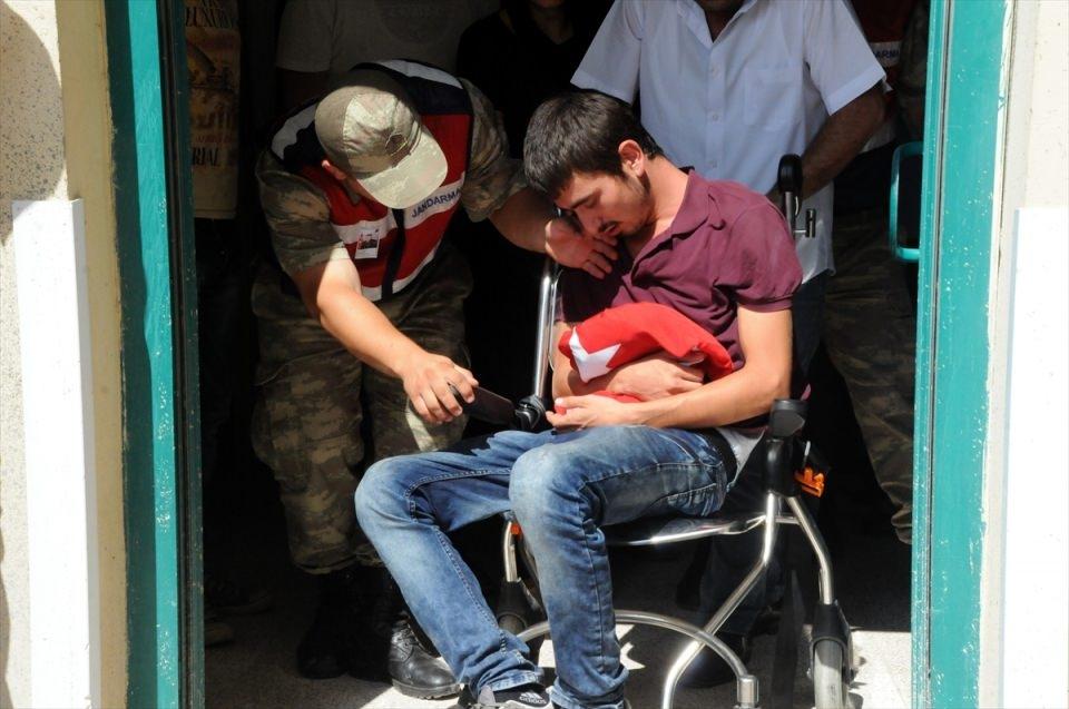 Türkiye şehitlerini uğurluyor 28