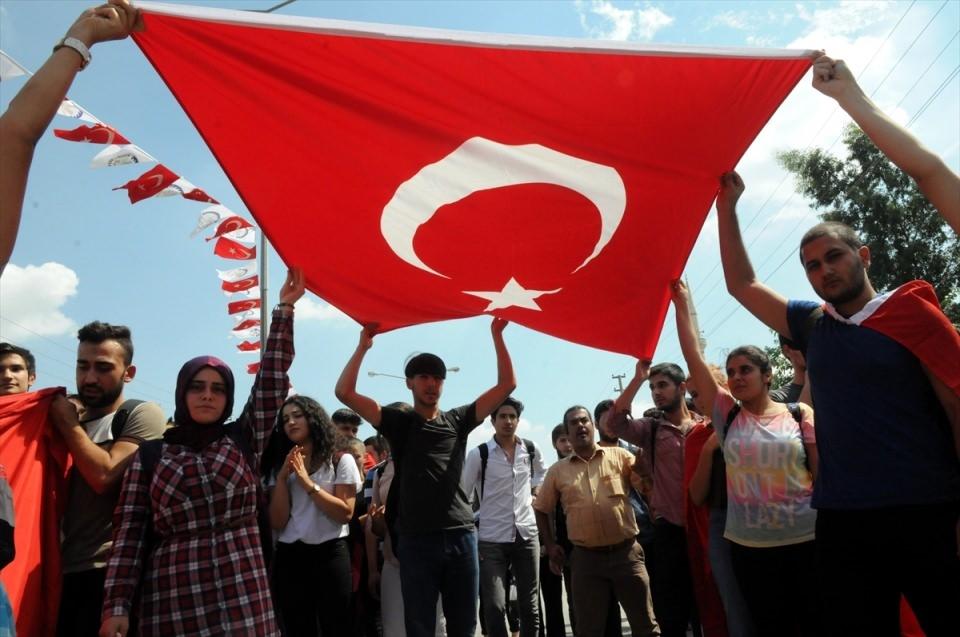 Türkiye şehitlerini uğurluyor 30