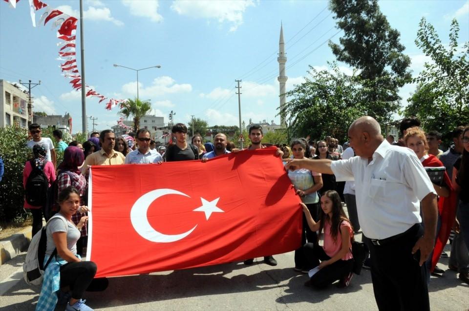 Türkiye şehitlerini uğurluyor 34
