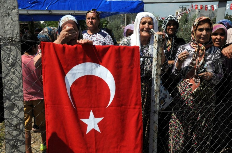 Türkiye şehitlerini uğurluyor 35