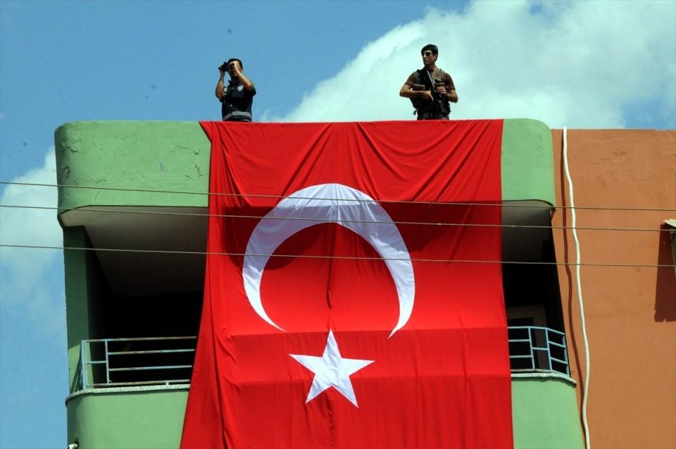 Türkiye şehitlerini uğurluyor 36