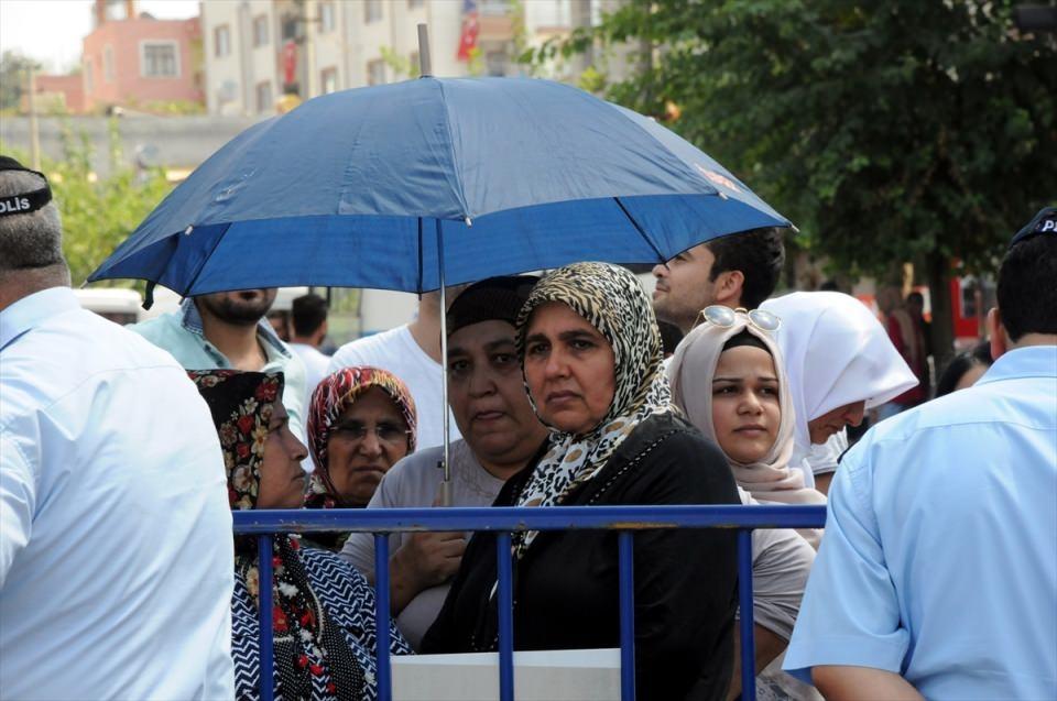 Türkiye şehitlerini uğurluyor 39