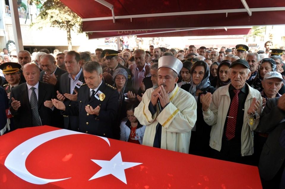 Türkiye şehitlerini uğurluyor 42