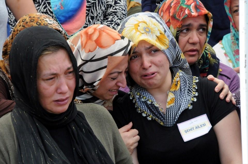 Türkiye şehitlerini uğurluyor 43