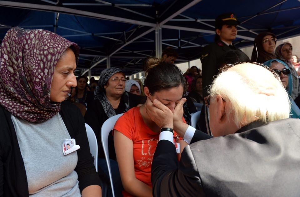 Türkiye şehitlerini uğurluyor 45