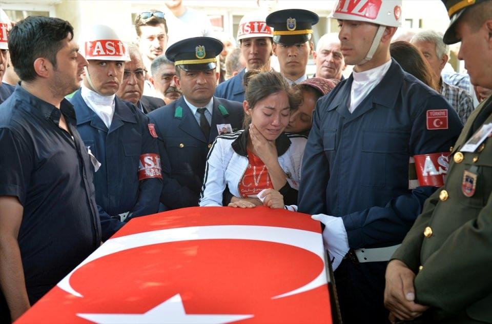 Türkiye şehitlerini uğurluyor 5