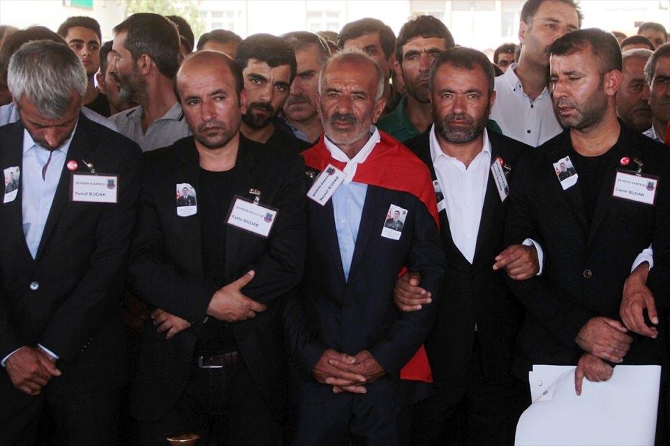 Türkiye şehitlerini uğurluyor 58