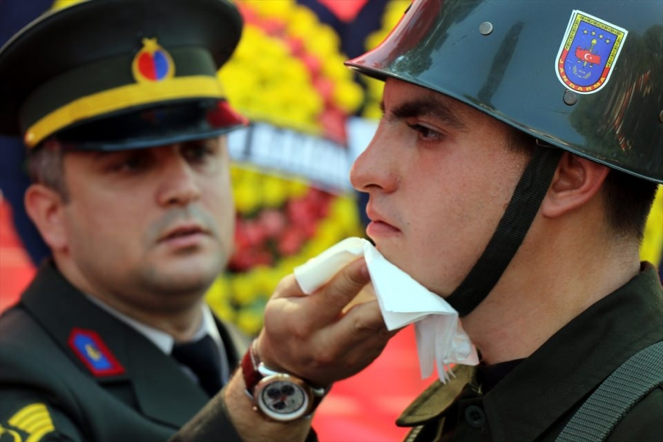 Türkiye şehitlerini uğurluyor 66