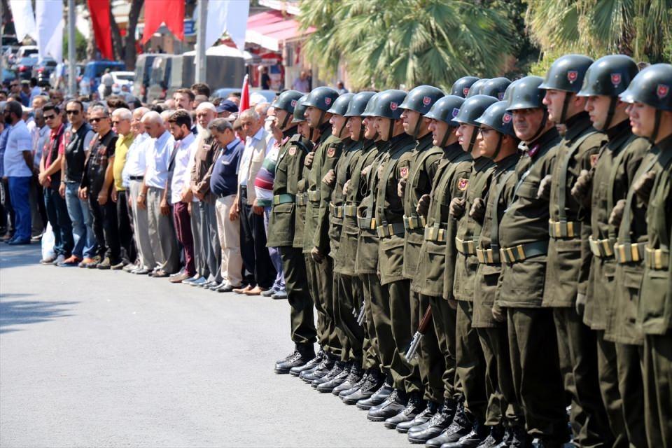 Türkiye şehitlerini uğurluyor 69