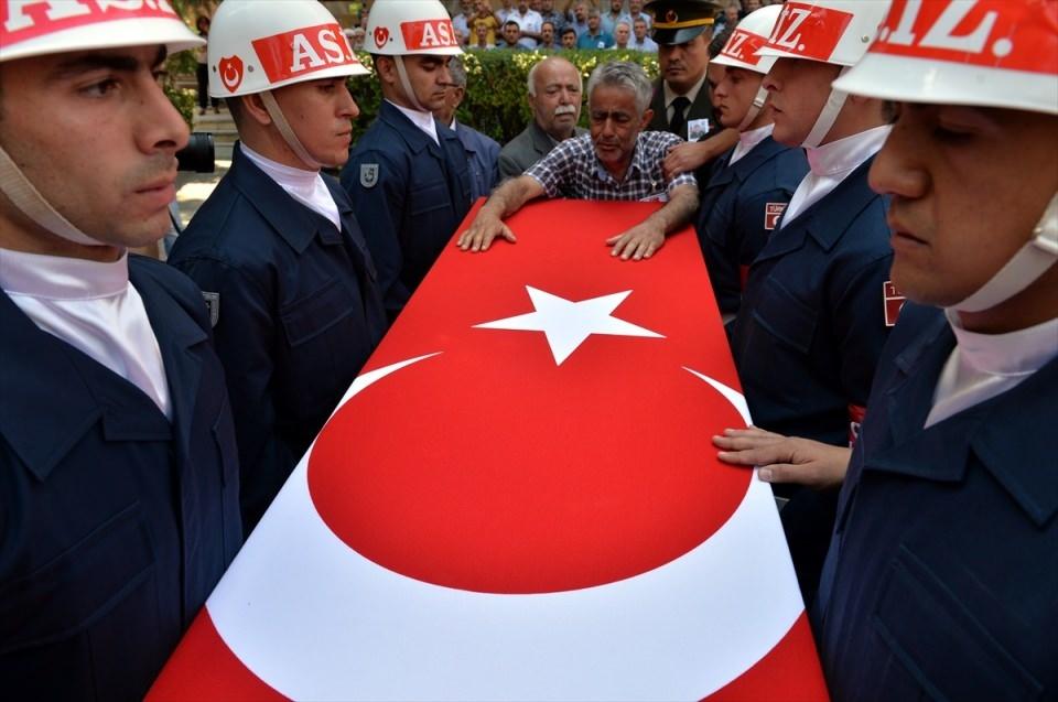 Türkiye şehitlerini uğurluyor 9