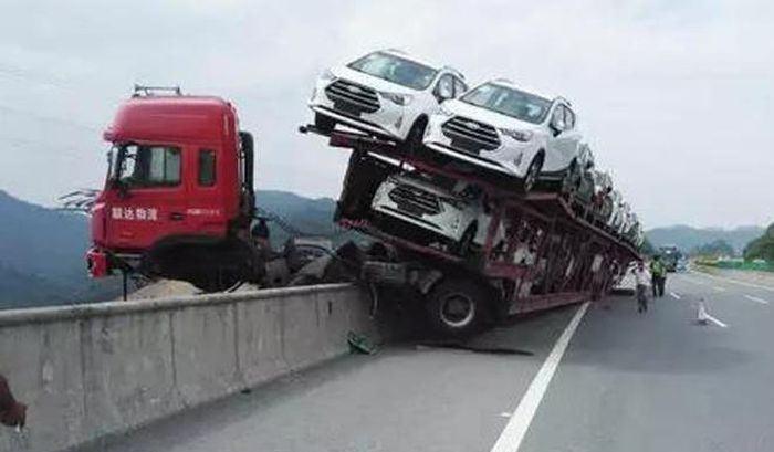 İnanılmaz trafik kazaları 2