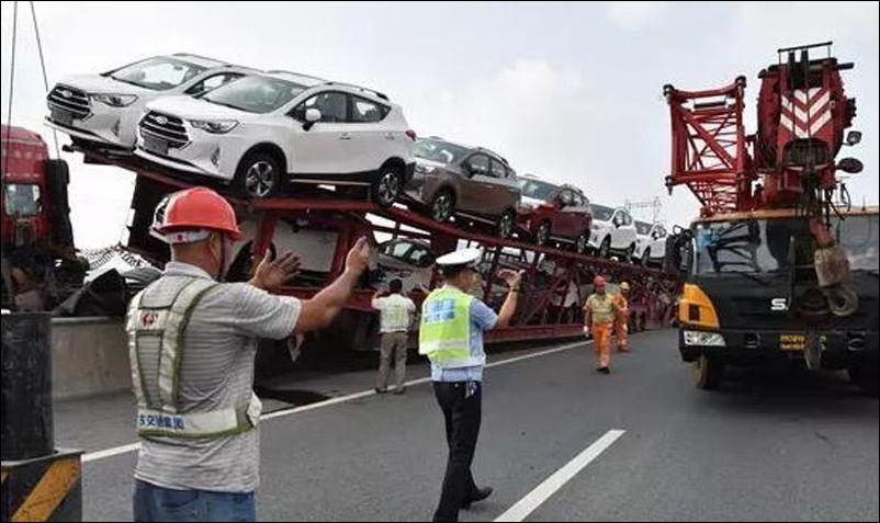 İnanılmaz trafik kazaları 4