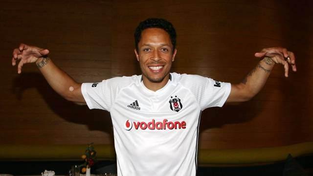 İşte Süper Lig'in en çok kazanan futbolcusu 14
