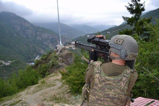 Silahlı 'Bayraktar' PKK'nın kâbusu oldu 11