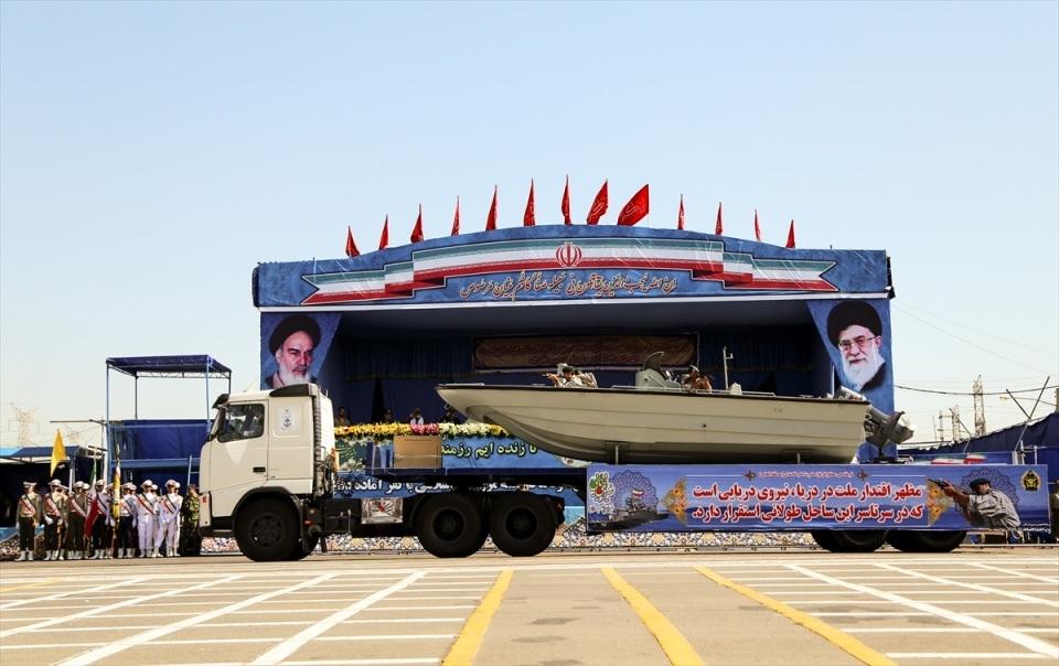 İran'dan dünyaya gövde gösterisi 11