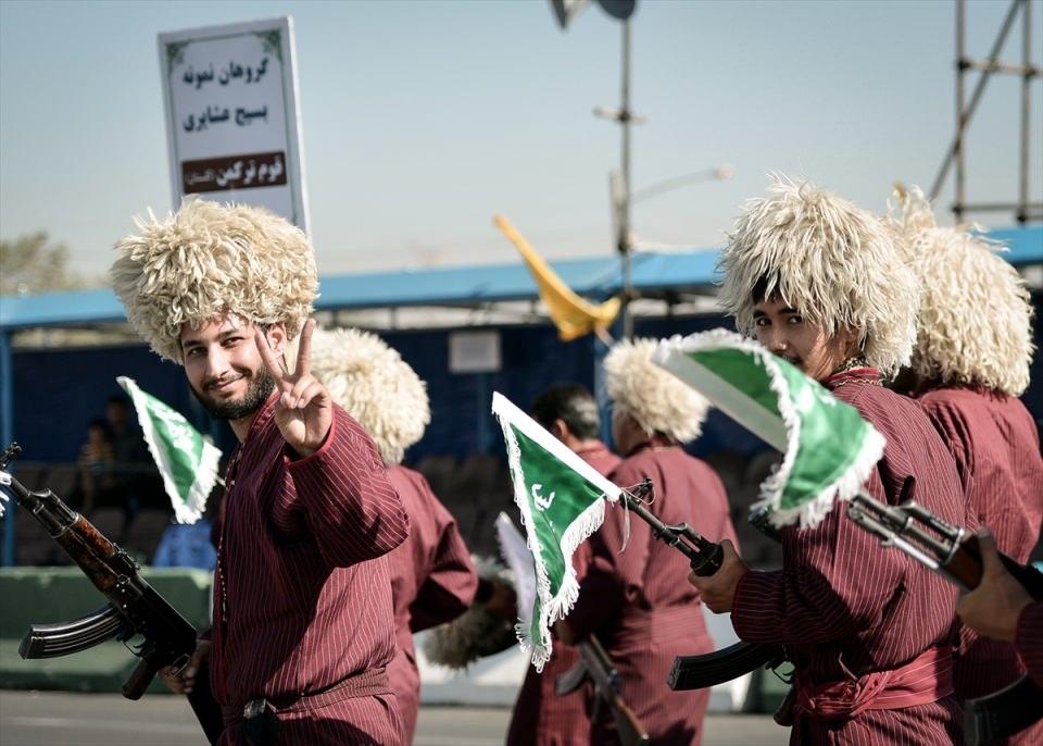 İran'dan dünyaya gövde gösterisi 14