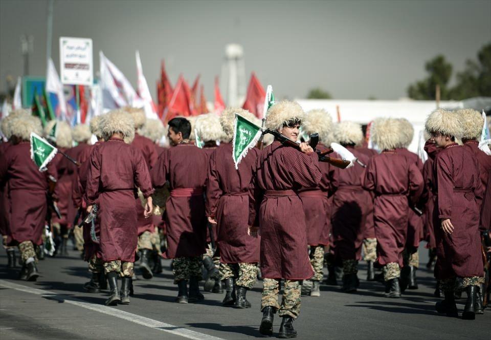 İran'dan dünyaya gövde gösterisi 15