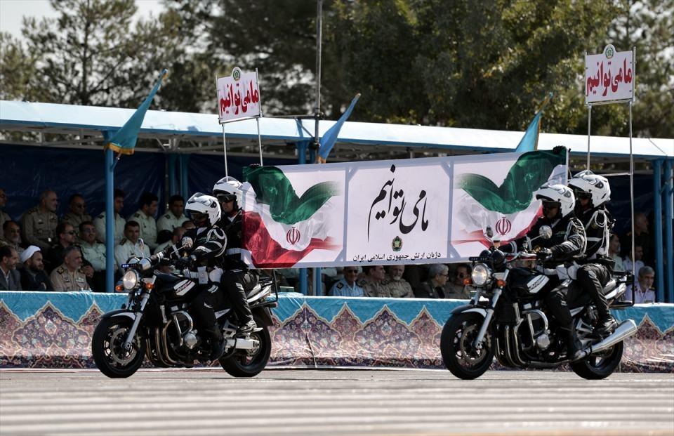 İran'dan dünyaya gövde gösterisi 18