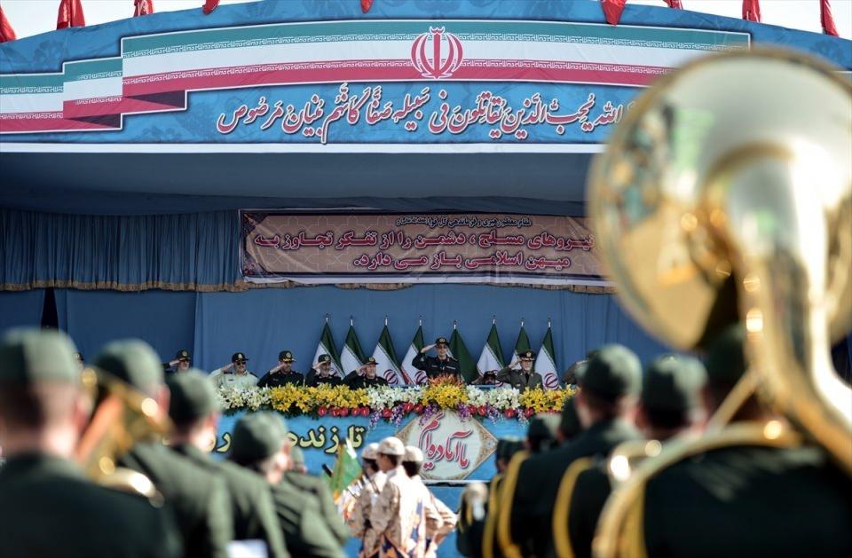 İran'dan dünyaya gövde gösterisi 25