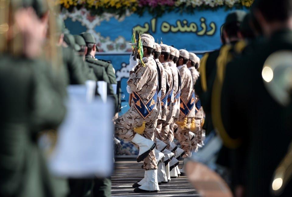 İran'dan dünyaya gövde gösterisi 26
