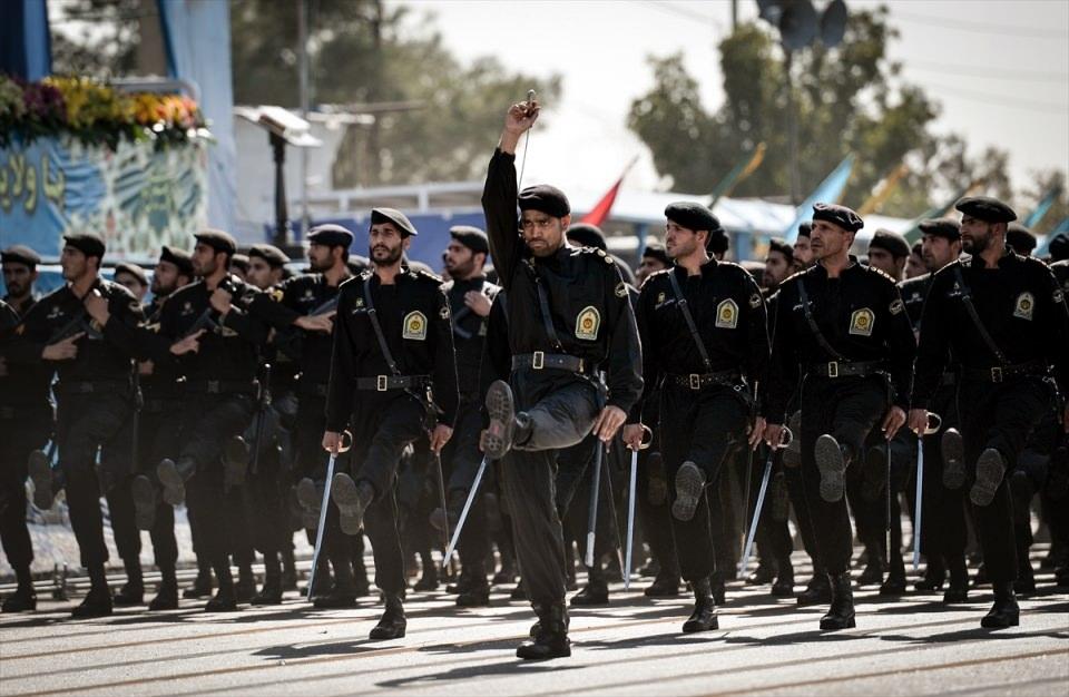 İran'dan dünyaya gövde gösterisi 43