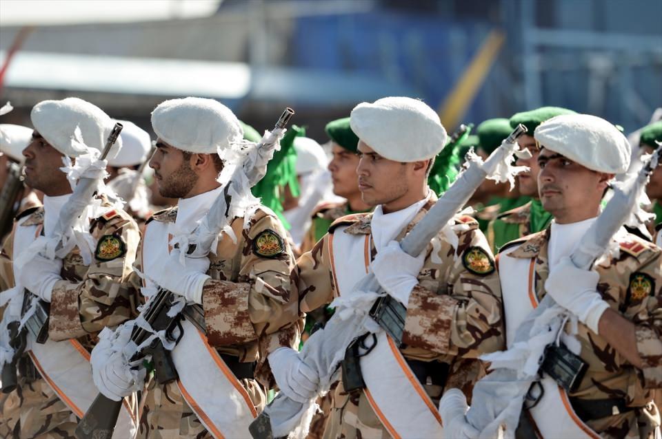 İran'dan dünyaya gövde gösterisi 46
