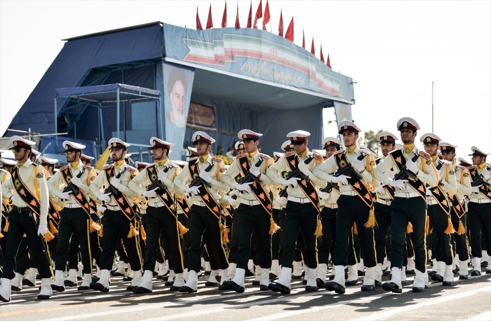 İran'dan dünyaya gövde gösterisi 48