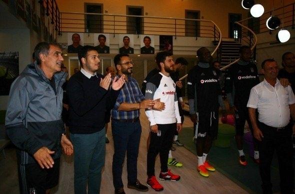 G.Saray maçı öncesi Beşiktaş'a büyük sürpriz! 11