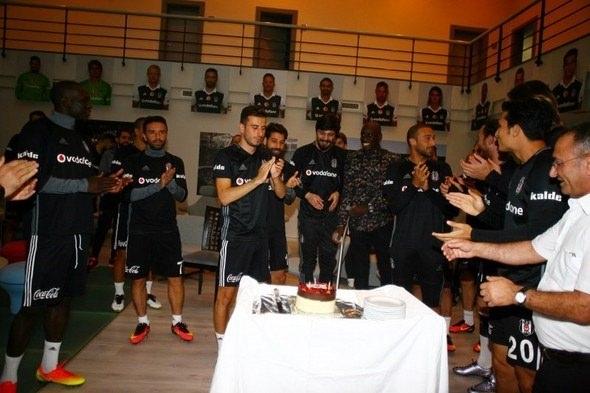G.Saray maçı öncesi Beşiktaş'a büyük sürpriz! 8