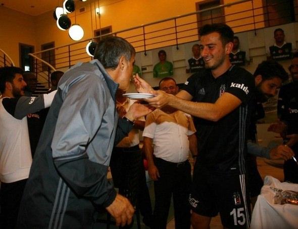 G.Saray maçı öncesi Beşiktaş'a büyük sürpriz! 9