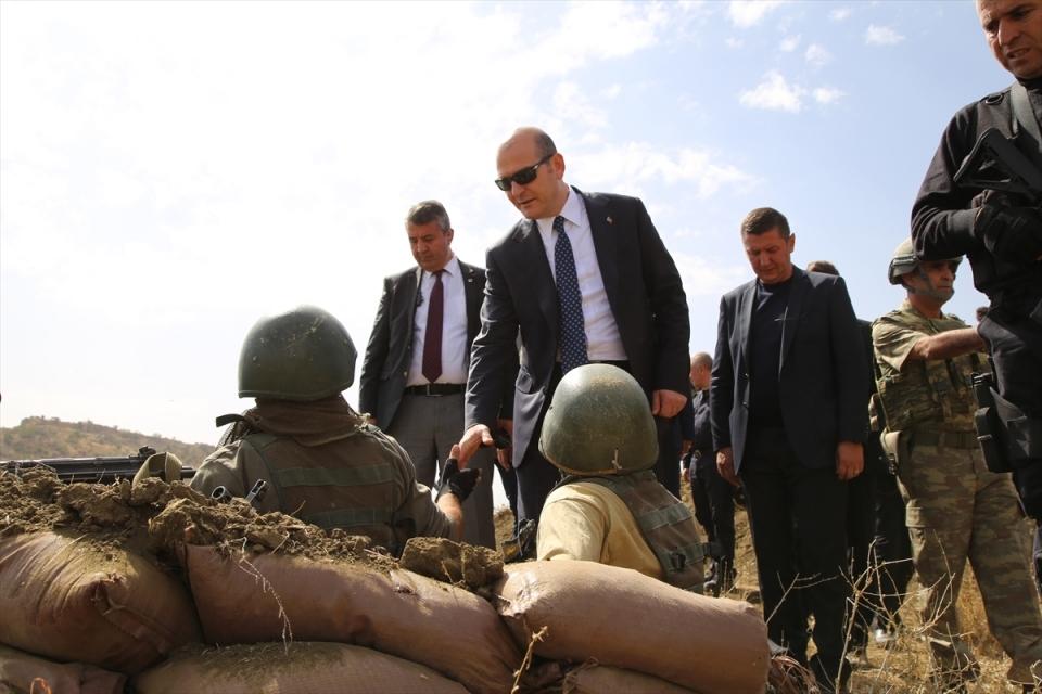 İçişleri Bakanı Soylu, o bölgeyi inceledi 1