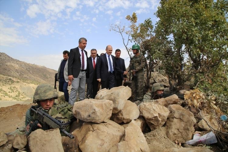 İçişleri Bakanı Soylu, o bölgeyi inceledi 12