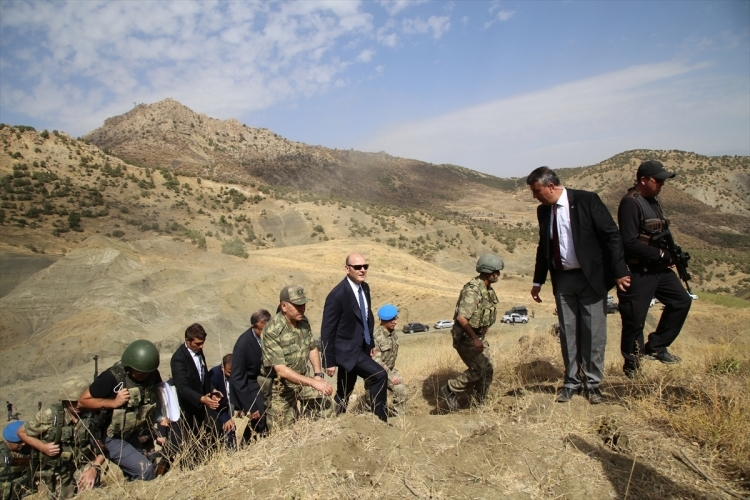 İçişleri Bakanı Soylu, o bölgeyi inceledi 14
