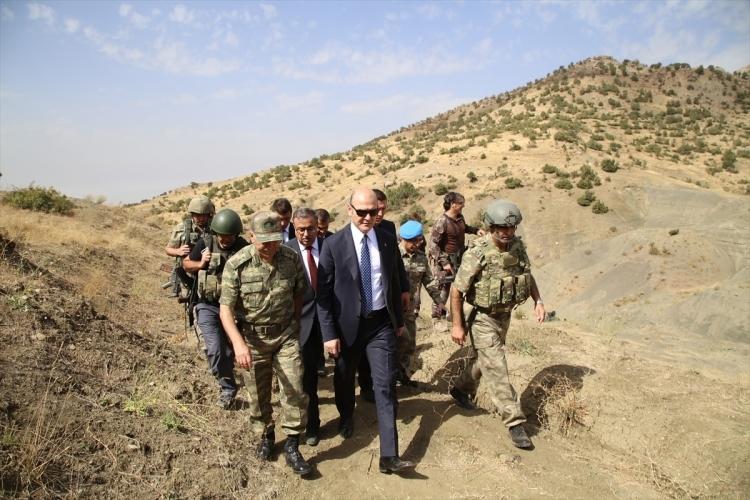 İçişleri Bakanı Soylu, o bölgeyi inceledi 17