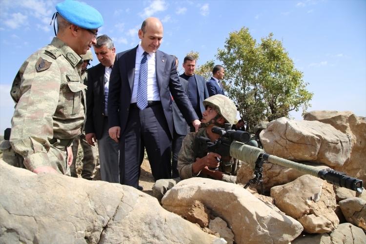 İçişleri Bakanı Soylu, o bölgeyi inceledi 18