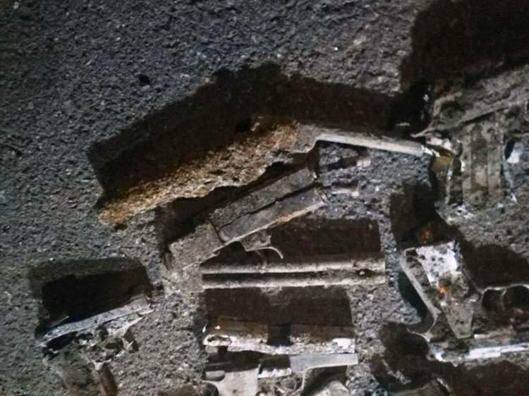 İstanbul'da boş arazide çok sayıda tabanca bulundu 4