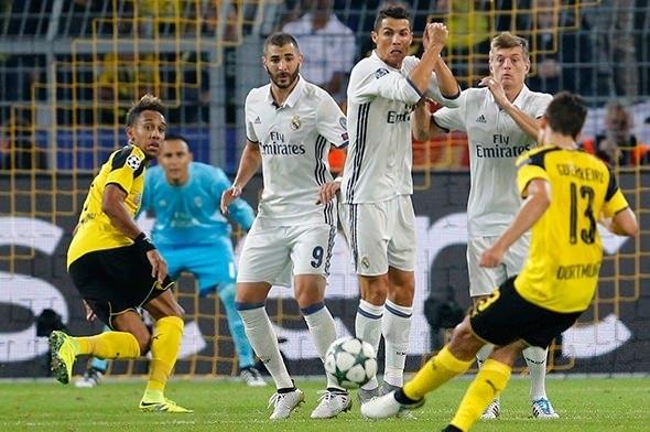 Ronaldo ve Emre Mor sosyal medyayı salladı! 1