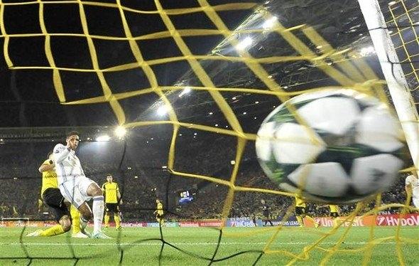 Ronaldo ve Emre Mor sosyal medyayı salladı! 10