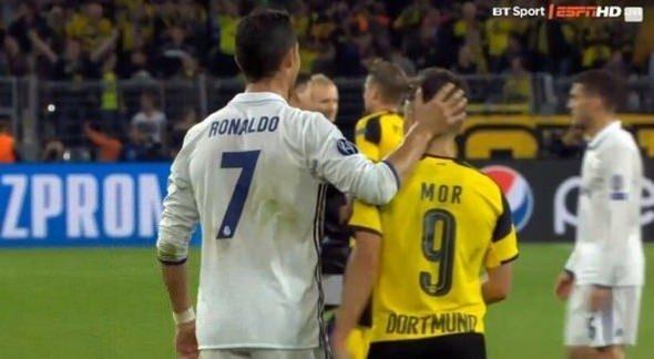 Ronaldo ve Emre Mor sosyal medyayı salladı! 14