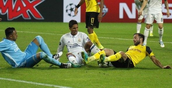 Ronaldo ve Emre Mor sosyal medyayı salladı! 17